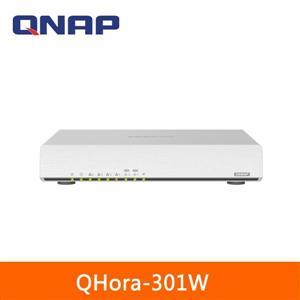 QNAP QHora - 301W 新世代Wi - Fi 6 雙10GbE SD - WAN 路由器